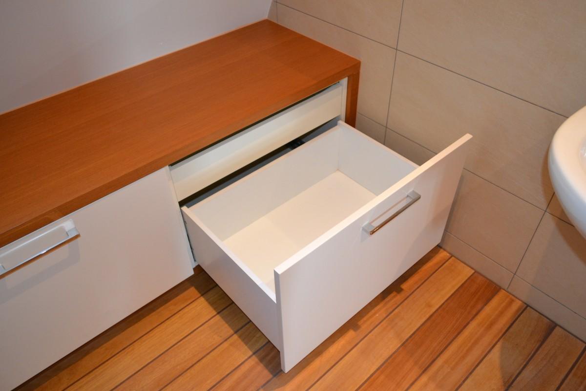 łazienkazabudowa łazienki Szufladyteak I Mdf Lakier